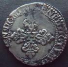 Photo numismatique  Monnaies Monnaies Royales Henri III Demi Franc au col plat HENRI III, Demi franc au col plat, 1580 X Amiens, 6,74 grms, DY.1131 presque TTB