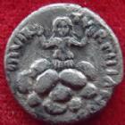Photo numismatique  Monnaies Empire Romain AUGUSTE, AUGUSTUS, AUGUSTO Denier, denar, denario, denarius AUGUSTUS, AUGUSTE, Octavianus, Octavian, denier Rome en 19 avant Jc, Turpilianus II VIR, 3,51 grms, RIC.299 traces de nettoyage sinon TTB