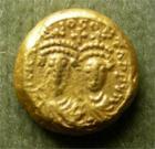 Photo numismatique  Monnaies Monnaies Byzantines 7ème siècle Solidus Globulaire HERACLIUS ET HERACLIUS CONSTANTIN, Solidus globulaire, frappé à Carthage en 629.630, Sear 867 variante TTB