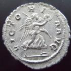Photo numismatique  Monnaies Empire Romain MAXIMIN I, MAXIMINUS I, MAXIMINO I Denier, denar, denario, denarius MAXIMINUS Thrax, MAXIMIN le Thrace, denier Rome en 235-236, Victoria Aug, 2,91 grms, RIC.16 SUPERBE