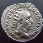 Photo numismatique  Monnaies Empire Romain TRAJAN DECE, TRAJANUS DECIUS, TRAIANUS DECIUS, TRAIANO DECIO,  Antoninien, antoninianus, antoniniane TRAJANUS DECIUS, TRAJAN DECE, antoninien Rome en 249-251, Genius Exerc Illuciriani, 5,60 grms!!!, RIC.16c TTB+ flan épais et poids lourd!!!