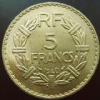 Photo numismatique  Monnaies Monnaies Françaises Troisième République 5 Francs 5 Francs Lavrilleir cupro-aluminium 1940, G.761 petites traces sinon SUPERBE