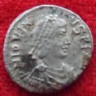 Photo numismatique  Monnaies Empire Romain Jovinus, Iovinus SILIQUE, SILIQUA JOVINUS, IOVINUS, silique 411-413, lyon, Victoria Augg, 1,44 grms, RIC.1716 TB à TTB Rare!R