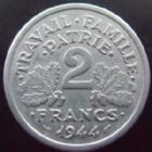 Photo numismatique  Monnaies Monnaies Françaises Etat Français 2 Francs 2 francs Bazor 1944 C, aluminium, G.536 TTB+