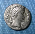 Photo numismatique  Monnaies Empire Romain AUGUSTE, AUGUSTUS, AUGUSTO Denier, denar, denario, denarius AUGUSTE, Denier frappé en 12 avant Jc, IMP XII, Cohen 155  TTB