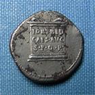Photo numismatique  Monnaies Empire Romain 1er Siècle AUGUSTE Denier, denar, denario, denarius AUGUSTE, Denier frappé à Colonia Patricia ou à Nîmes ? En 19.18 avant Jc, RIC 546 TTB Rare!!!