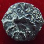 Photo numismatique  Monnaies Monnaies Gauloises Pagus Castuslugi Bronze VIIRICIUS PAGUS CASTUSLUGI, Bronze VVIRICIUS vers 50-40 avant Jc, cheval à gauche, 2,67 grms, DT.507 TB+/TTB