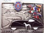 Photo numismatique  Monnaies Médailles Automobile, voiture, club, course, circuit Plaquette Automobile club de Cannes (année 1950), plaquette en bronze argenté, logo, drapeaux et voiture émaillé, 88x48 mm, SUPERBE R!