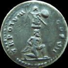 Photo numismatique  Monnaies Empire Romain TITUS, TITO Denier, denar, denario, denarius TITUS, denier Rome en 79, IMP T CAESAR VESPASIANUS AUG, captif � genoux au-dessus un Troph�, 3,09 grms, RIC II 1 �, bon TTB Rare!