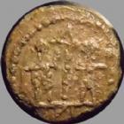 Photo numismatique  Monnaies Peuples Barbares Barbares de la fin du 4éme siècle Minimi, follis petit module Barbares, imitation de la fin du 4e siècle- début du 5e, type du Gloria Exercitus, 10,5 mm, 0,96 grm, TTB