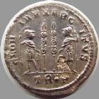Photo numismatique  Monnaies Empire Romain CONSTANCE II, CONSTANTIUS II, CONSTANTIO II Follis, folles,  CONSTANCE II, CONSTANTIUS II, follis Trêves en 332-333, Gloria exercitus, 2,13 grms, RIC 540 SUPERBE+