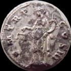 Photo numismatique  Monnaies Empire Romain HADRIEN, HADRIANUS, HADRIANO, HADRIAN Denier, denar, denario, denarius HADRIEN, HADRIANUS, denier Rome en 122-125, PM TR P COS III, Aequitas, 3,00 grms, RIC 80 TTB+/TB+ Fourr�!
