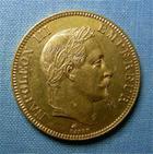 Photo numismatique  Monnaies Monnaies Françaises Second Empire 100 Francs or NAPOLEON III, 100 Francs or 1869 A, Tête lauré, Gadoury 1136 TTB+ petit coup sur tranche (revers)
