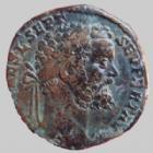 Photo numismatique  Monnaies Empire Romain SEPTIME SEVERE, SEPTIMUS SEVERUS, SEPTIMO SEVERO Sesterce, sesterz, sestertius, sestertio SEPTIME SEVERE, SEPTIMIUS SEVERUS, sesterce Rome en 193, Fides avec le vexilum et tenant une victoire, 21,63 grms, RIC 651 TTB Rare!