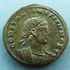 Photo numismatique  Monnaies Empire Romain CONSTANTIN II, CONSTANTINUS II, CONSTANTINO II Follis, folles,  CONSTANTIN II, CONSTANTINUS II, follis Alexandrie en 333-335, Gloria Exercitus, SMALB, 2,75 grms, RIC 59 Presque SUPERBE
