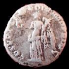 Photo numismatique  Monnaies Empire Romain TRAJAN, TRAJANUS, TRAIAN, TRAIANO Denier, denar, denario, denarius TRAJAN, TRAJANUS, denier Rome en 103-111, Victoire à gauche, 3,16 grms, RIC 128 TB+