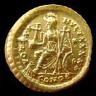 Photo numismatique  Monnaies Empire Romain THEODOSE II, THEODOSIUS II, THEODOSIO II Solidus, solidii THEODOSE II, THEODOSIUS II, Solidus Constantinople en 402-450, Rome assise à gauche, 4,44 grms, RIC 257, petit écrasement sur le nez, SUPERBE