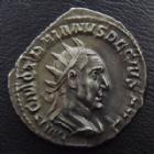 Photo numismatique  Monnaies Empire Romain TRAJAN DECE, TRAJANUS DECIUS, TRAIANUS DECIUS, TRAIANO DECIO,  Antoninien, antoninianus, antoniniane TRAJAN DECE, TRAJANUS DECIUS, antoninien Rome en 250, Adventus Aug, 3,60 grms, RIC 11b Quasi SUPERBE jolie style et belle patine !