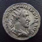 Photo numismatique  Monnaies Empire Romain PHILIPPE I, PHILIPPUS I, PHILIPPUS I ARABS, PHILIPPO I Antoninien, antoninianus, antoniniane PHILIPPE I l'Arabe, PHILIPPUS I Arabs, antoninien Rome en 244-249, ADVENTVS AVGG, l' Empereur à cheval, 4,51 grms, RIC 26b TTB+ grand buste !