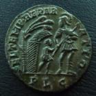 Photo numismatique  Monnaies Empire Romain CONSTANS Centenionalis, mittel bronze, ae, CONSTANS, centenionalis Lyon (Lugdunum) en 337-350, Fel Temp Reparatio, 3,37 grms, RIC 85 SUPERBE Jolie patine!