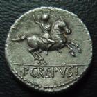 Photo numismatique  Monnaies République Romaine Crepusia 82 avant Jc Denier, denar, denario, denarius P.CREPUSIUS, denier Rome en 82 avant JC, Tête d'Apollon, Cavalier, 17 mm, 3,91 grms, RSC Crepusia 1b, petites rayures sinon  SUPERBE