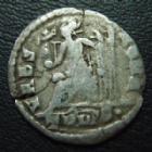 Photo numismatique  Monnaies Empire Romain VALENS SILIQUE, SILIQUA VALENS, silique Trêves? En 375-378, VRBS ROMA, 19 mm, 1,80 grms, Félûres, TB