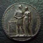 Photo numismatique  Monnaies Médailles Médaille, Médaillette de Mariage Napoleon et Marie Louise d'Autriche NAPOLEON et MARIE LOUISE D'Autriche, médaillette de Mariage 1810, non signé, argent 13 mm, 1,56 grms, patine noire de médailler, TTB+
