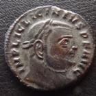 Photo numismatique  Monnaies Empire Romain LICINIUS I, LICINIO I,  Follis, folles,  LICINIUS I, Follis Siscia en 313-316, Iovi Conservatori - A/SIS, 21 mm, 3,58 grms, RIC 8 TTB/SUPERBE