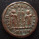 Photo numismatique  Monnaies Empire Romain CONSTANCE II, CONSTANTIUS II, CONSTANTIO II Follis, folles,  CONSTANCE II, CONSTANTIUS II, Follis Antioche en 330-335, Gloria exercitus, SMANH, 17 mm, 2,40 grms, RIC 88 SUPERBE+