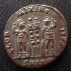 Photo numismatique  Monnaies Empire Romain CONSTANTIN II, CONSTANTINUS II, CONSTANTINO II Follis, folles,  CONSTANTIN II, CONSTANTINUS II, César, Follis Antioche en 330-335, Gloria Exercitus, SMANO, 17-18 mm, 2,41 grms, RIC 87 SUPERBE