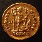 Photo numismatique  Monnaies Empire Romain ARCADIUS, ARCADIO Solidus, solidii ARCADIUS, solidus Médiolanum - Milan en 395-402 , Victoria Avggg - M-D, 20,5 mm, 4,39 grms, RIC x 1205, petites traces sinon Presque SUPERBE