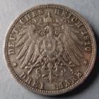 Photo numismatique  Monnaies Allemagne après 1871 Allemagne, Deutschland, Preussen, Prusse 3 Mark, Drei mark Preussen, Prusse, Wilhelm II, 3 mark 1910, un chapeau en argent a été rajouté, jolie travail d'orfèvre !, petits coups sinon SUPERBE