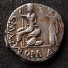Photo numismatique  Monnaies République Romaine Caecilia 96 avant Jc Denier, denar, denario, denarius C. MALLEOLUS, A. ALBINUS et L.CAECILIUS METELLUS, denier Rome en 96 avant JC, tête d'Apollon, Rome assise couronnée par une victoire, 3,93 grms, P.TTB
