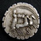 Photo numismatique  Monnaies République Romaine Procilia 80 avant Jc Denier, denar, denario, denarius L.PROCILLIUS, denier Rome en 80 av.JC, tête feminine coiffé d'une peau de bouc, bige, 3,01 grms, SYD.772 TTB+