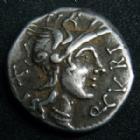 Photo numismatique  Monnaies République Romaine Curtia 116.115 av Jc Denier, denar, denario, denarius Q.CURTIUS et M.SILANUS, denier Rome en 116-115 av.JC, tête casquée de Rome, quadrige, 3,89 grms, RSC.2 TTB+