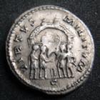 Photo numismatique  Monnaies Empire Romain DIOCLETIEN, DIOCLETIANUS, DIOCLETIAN, DIOCLETIANO Argenteus, argentei DIOCLETIEN, DIOCLETIANUS, Argenteus Trëves en 295-297, sa tête laurée à droite, VIRTUS MILITUM, 2,73 grms, 18 mm, RIC.109a TTB R!