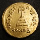 Photo numismatique  Monnaies Monnaies Byzantines Constant II, Constans II Solidus CONSTANT II, Solidus Constantinople, buste de face, croix sur un socle, CONOB, 4,44 grms, Sear.942 petite rayure à l'avers sinon SUPERBE+