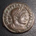 Photo numismatique  Monnaies Empire Romain CONSTANTIN I, CONSTANTINUS I, CONSTANTINO Follis, folles,  CONSTANTIN I, CONSTANTINUS I, follis Ticinium en 316, san buste à droite, SOLI INVICTO COMITI TTB Croix.S* RIC.45 SUPERBE peu commun avec la croix !