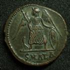 Photo numismatique  Monnaies Empire Romain CONSTANTIN I, CONSTANTINUS I, CONSTANTINO Follis, folles,  CONSTANTINOPOLIS, CONSTANTIN I, CONSTANTINUS I, Follis Alexandrie en 333-335, 17-18 mm, 2,71 grms, RIC.64 TTB à SUPERBE