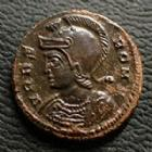 Photo numismatique  Monnaies Empire Romain CONSTANTIN I, CONSTANTINUS I, CONSTANTINO Follis, folles,  URBS ROMA, CONSTANTIN I, CONSTANTINUS I, Follis Trêves (Trier) en 332-333, TR.S, 16 mm, 2,61 grms, RIC.547 SUPERBE
