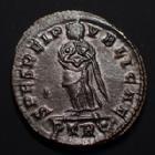Photo numismatique  Monnaies Empire Romain FAUSTA, FAUSTE Follis, folles,  FAUSTA, FAUSTE, follis Trêves (Trier) en 324-326, SECURITAS REIPUBLICAE, 18-19 mm, 3,56 grms, RIC.483 SUPERBE+/SUPERBE