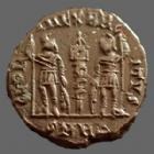 Photo numismatique  Monnaies Empire Romain CONSTANS Nummus, Kleine bronze, nummi CONSTANS, follis ou nummus Héraclea en 333-336, Gloria Exercitus 1 enseigne, 15-16 mm, 1,76 grms, RIC.VII 154 TTB+