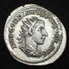 Photo numismatique  Monnaies Empire Romain GORDIEN III, GORDIAN III, GORDIANUS III, GORDIANO III Antoninien, antoninianus, antoniniane GORDIEN III, GORDIANUS III, GORDIAN III, Antoninien Rome en 243-244, VICTORIA AETERNA, 4,09 grms, RIC.156 SUPERBE