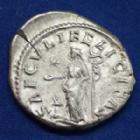 Photo numismatique  Monnaies Empire Romain JULIA MAESA, IULIA MAESA Denier, denar, denario, denarius JULIA MAESA, denier Rome en 220-222, SAECULI FELICITAS, 3,04 grms, RIC.272 TTB+