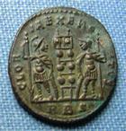 Photo numismatique  Monnaies Empire Romain 4ème siècle CONSTANTIN II Follis réduit CONSTANTIN II (Constantinus) follis réduit, Rome, Gloria exercitus, Cohen 122 SUPERBE