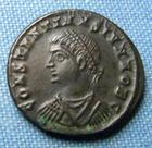 Photo numismatique  Monnaies Empire Romain 4ème siècle CONSTANTIN II Follis réduit CONSTANTIN II (Constantinus) follis réduit, Carthage, porte de camp, buste à gauche, Cohen 165 SUPERBE