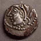 Photo numismatique  Monnaies Monnaies Gauloises Bituriges cubi, Bituriges cubes Denier au glaive et à la rouelle BITURIGES CUBES, denier au glaive et à la rouelle, vers 60-50 avant JC, 1,94 grms, BN.4102 Var. TTB+