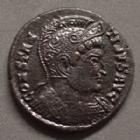 Photo numismatique  Monnaies Empire Romain CONSTANTIN I, CONSTANTINUS I, CONSTANTINO Follis ou Nummus CONSTANTIN I, CONSTANTINUS I, follis ou nummus Trèves en 322-323, buste casqué à droite, BEATA TRANQUILLITAS, 18 mm, 2,95 g, RIC.368 TTB
