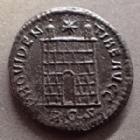 Photo numismatique  Monnaies Empire Romain CONSTANTIN I, CONSTANTINUS I, CONSTANTINO Follis ou Nummus CONSTANTIN I, CONSTANTINUS I, follis ou nummus Rome en 326, PROVIDENTIAE AUGG, 19 mm, 2,58 grms, RIC.287 SPL/TTB+