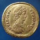 Photo numismatique  Monnaies Empire Romain ARCADIUS, ARCADIO Solidus, solidii ARCADIUS, solidus Constantinople en 383-408, CONCORDIA AVGGG Z / VOT V MVL X, 21 mm, 4,38 grms, RIC.70c.3 SUPERBE
